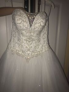 Size 2 Wedding dress!