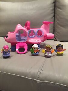 Avion Little People Fisher Price + 4 figurines - À VENDRE