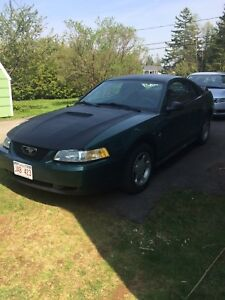2000 Ford Mustang less than 180KM