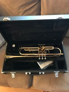 Yamaha Student Trumpet + Accessories