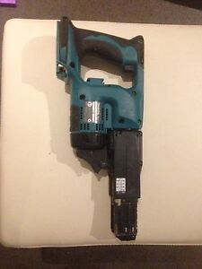 Makita  18v LXT Cordless collated screw gun Reedy Creek Gold Coast South Preview