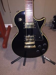 Guitar Jay Turser Gibson type.  Great shape and very solid piece