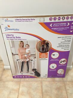Dreambaby Liberty Safety Gate & Extensions
