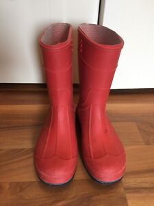 Size 8 Toddler Rain Boots - great cond.