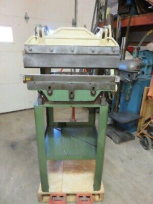 Diacro Press Brake 24 X 16 Gauge Di-acro Press Brake Mint Condition