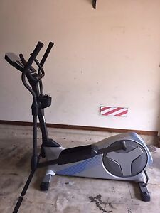Nordic Track E4.0 Elliptical Cross Trainer Cherrybrook Hornsby Area Preview