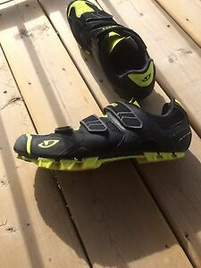 Grio mountain bike shoes