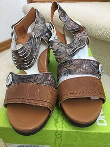 NEW dKode ladies sandals