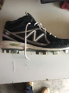 Men's perfect condition baseball cleats size 11.5 Windsor Region Ontario image 3