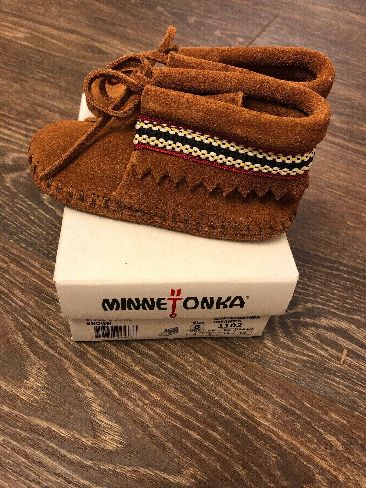 minnetonka moccasins Boots Unisex Size 6 Infants Braid Bootie Brown