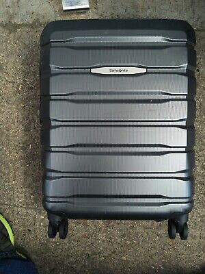 SAMSONITE LIGHTWEIGHT CARBON SUITCASE CARRY ON 55CM NEEDS NEW ZIP HENCE PRICE