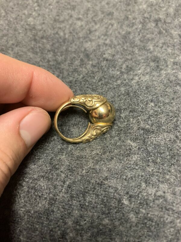 Vintage Trifari Ring with interchangeable Ball E5