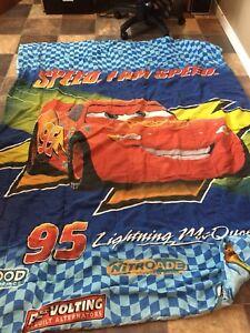 Douillette réversible Flash McQueen lit simple