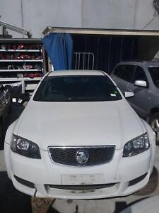 NOW WREAKING HOLDEN COMMODORE VE WHITE COLOR ALL PARTS 2006,07,11 Dandenong South Greater Dandenong Preview