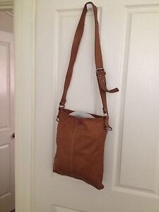 COUNTRY ROAD LARGE TAN SATCHEL Salter Point South Perth Area Preview