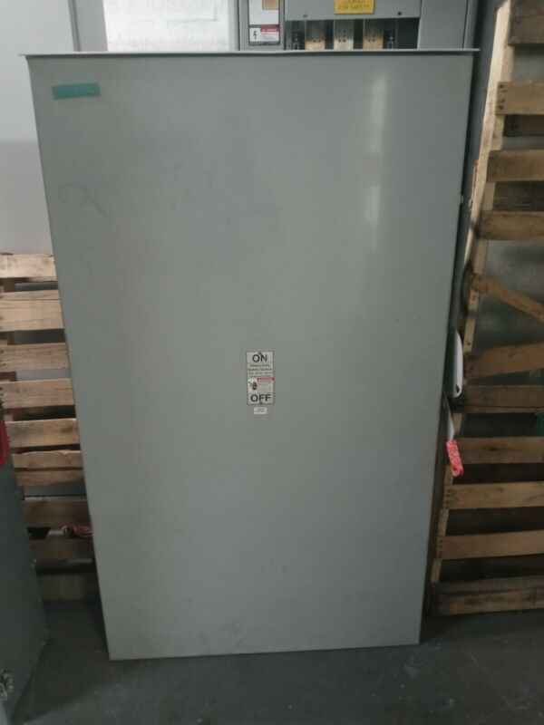 HF328NR SIEMENS 240 VOLTS 3 PHASE 4 WIRE FUSIBLE HD TYPE.