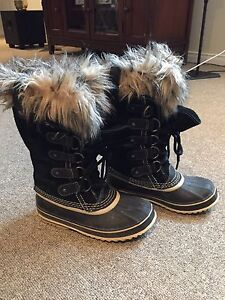 WOMEN'S SOREL - JOAN OF ARTIC BOOT