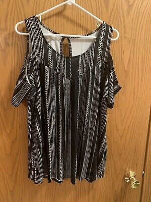 Maurices Womens Black Top Size Xl Lave Cold Shoulder Short Sleeve