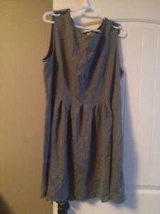 Never worn gray heavy material dress 2-3x