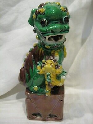 EXCELLENT ANTIQUE GLAZED 19TH CENTURY CHINESE PORCELAIN FOO DOG STATUE