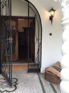 Ensuite room in affluent Melbourne share house St Kilda East Glen Eira Area Preview