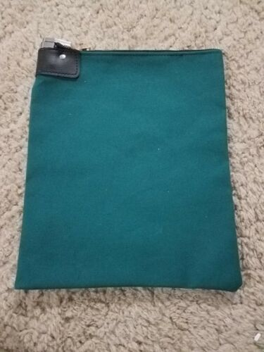 1 Green Canvas Locking Bank Deposit Bag with Deluxe Pop Up Lock and 2 Keys