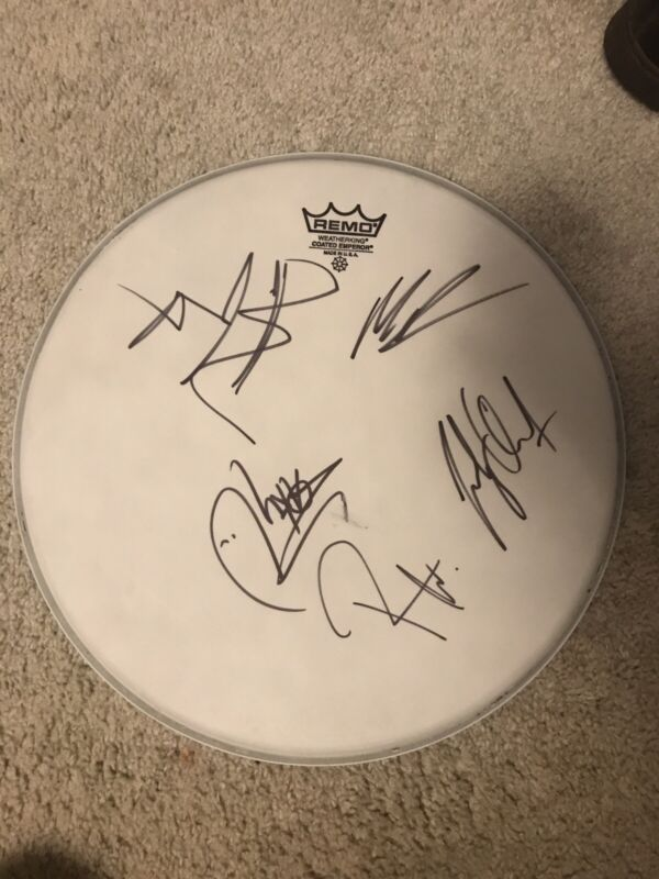 * AVENGED SEVENFOLD * signed drumhead * Full Band + The Rev! Rare New Autograph