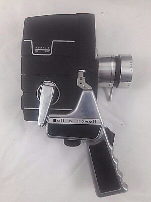 8mm Movie Camera Bell & Howell Zoomatic lens,Electric Eye, W/ Handle and Case