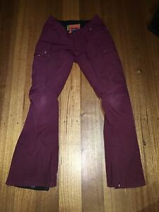 Burton Purple/Burgundy XS Women's Snow Pants Chadstone Monash Area Preview