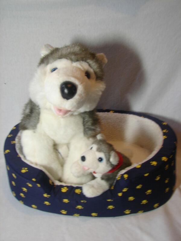 Aaaww Build A Bear MOM HUSKY DOG & PUP with Dog Bed