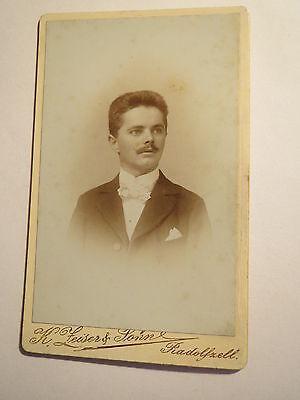 Radolfzell - Mann mit Bart im Anzug - Portrait / CDV