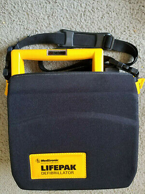 Medtronic Physio-control 3011790-000113 Lifepak 500 Aed W Carrying Case