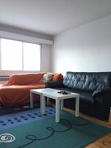 5 1/2 for rent July 1 open house 5-7 22nd April
