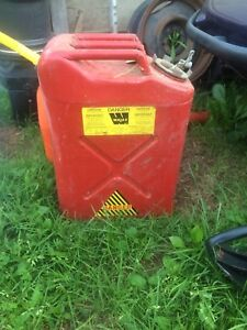 Steel gas can