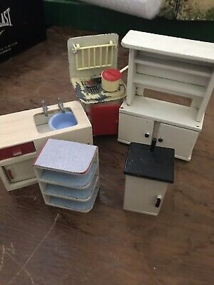 Vintage Dolls House Kitchen