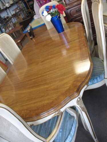 FRENCH  PROVINCIAL    DINING  ROOM  TABLE  6  CHAIRS   74  X  38