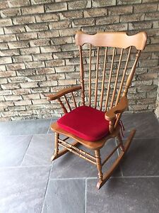 Roxton Solid Maple Rocking Chair