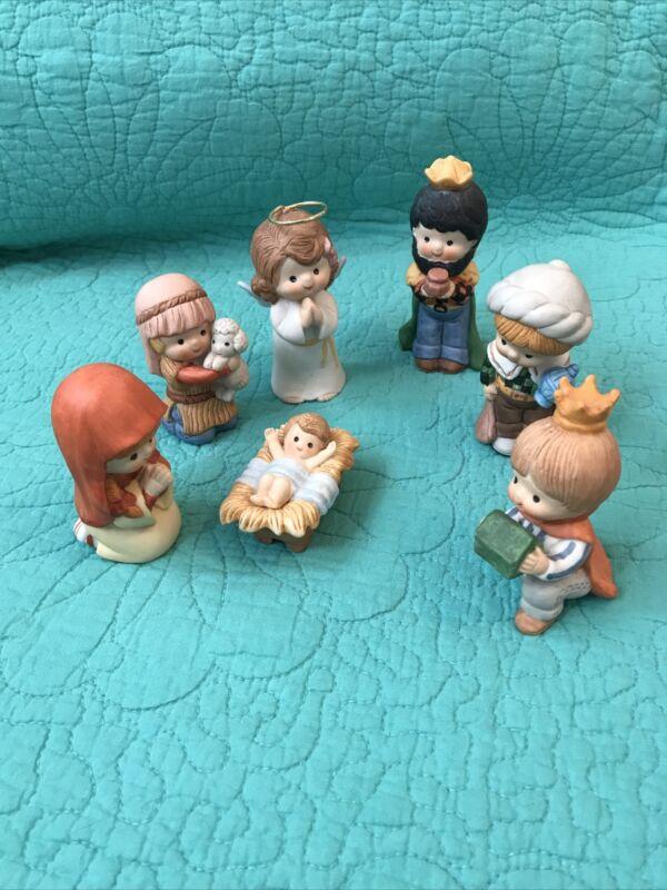7pcs VTG Enesco Country Cousins Christmas Nativity Figurines•Bisque/Ceramic•1983