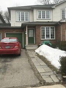 352 University Downs Cres-Great Family Home in Waterloo