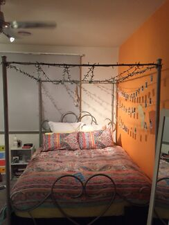 4 Post Bed Frame (Queen)