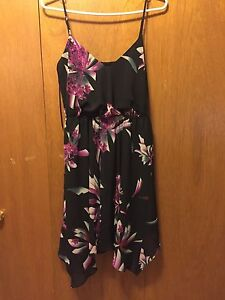 Guess dress size medium