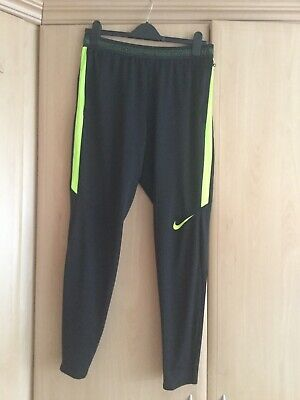 mens nike dri fit joggers/ Training Bottoms Size Medium