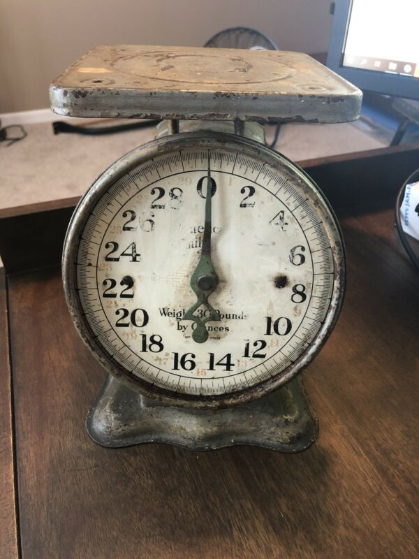 Vintage American Family 30lb Scale Green Home Kitchen Country Rustic, Works