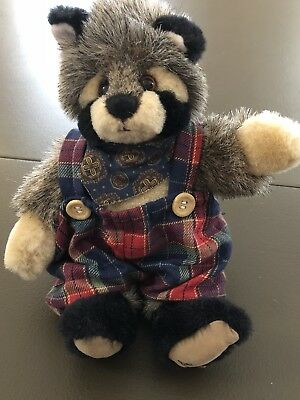 Ganz Raccoon Cottage Collectible 1995