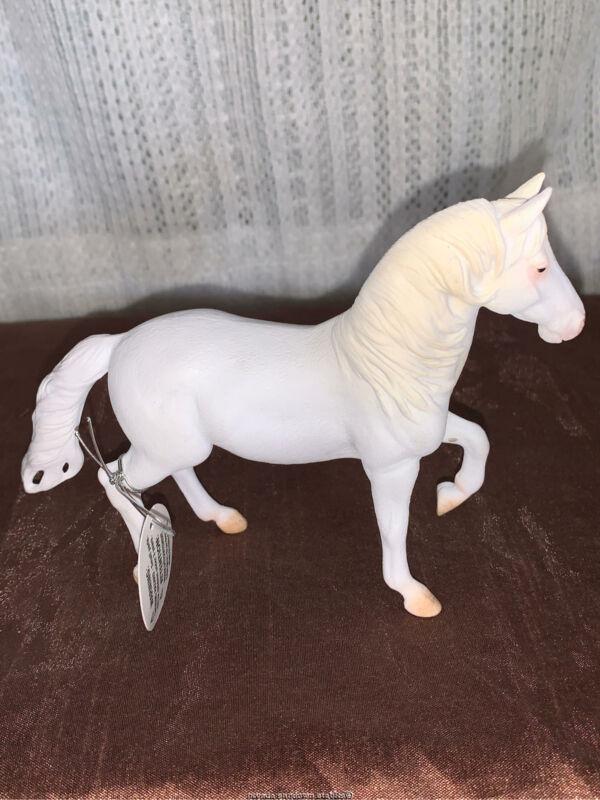 Breyer Model Horses Collecta Series Camarillo White Horse