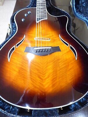 TAYLOR T5 ACOUSTIC / ELECTRIC GUITAR + PLUSH CASE USED EXCELLLLENT CONDITION