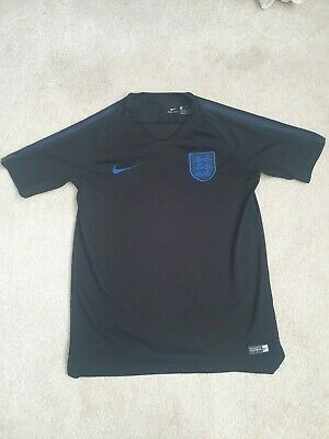 Boys Nike England traing top age 13 - 15