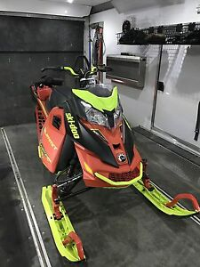 2016 skidoo summit x 163 Turbo