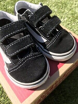 Boys infant vans Size 4.5 With Box