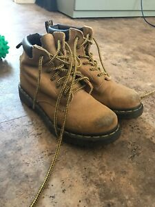 Woman's work boots 8